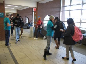 Drug-Free Tennessee Volunteers distribute information to students at local college